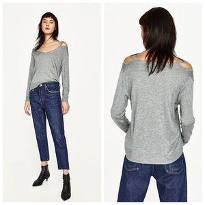 Zara Knit Gray Cut Out V Neck Pullover